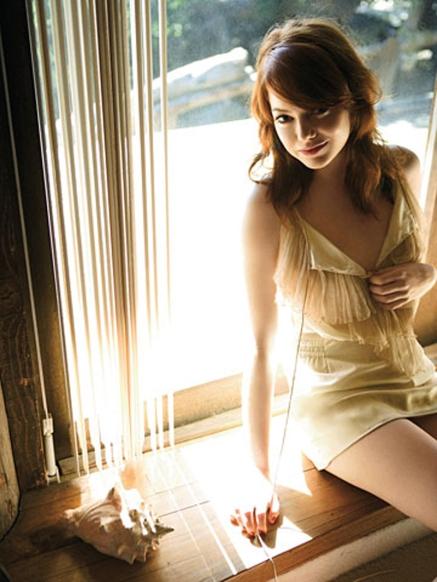 emma_stone-sexy-hot-wallpaper-2012