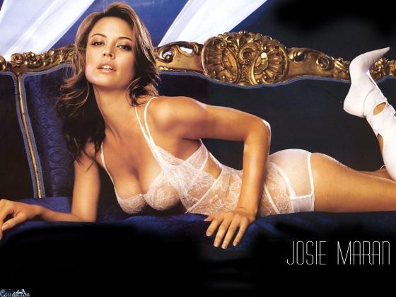 Josie-Maran-marishka-josie-maran-20924890-1600-1200